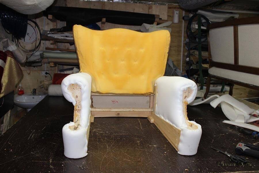Замена поролона на мягком кресле
