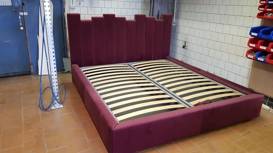 Кровать БОРДО двухспальная дизайнерская 1